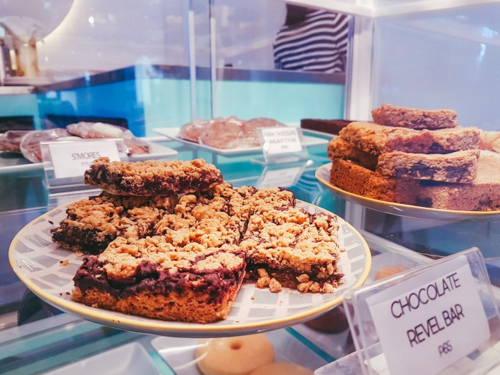 Where to eat cakes in manila